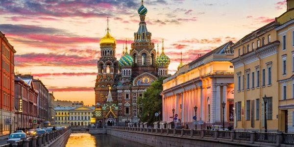 Fondée en 1703 par le tsarPierre le Grand, Saint-Saint-Pétersbourgs'étend sur les bords de la Neva. Capitale de la Russie de […]